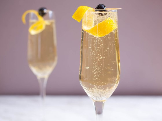 20151114-sparkling-cocktail-recipe-roundup-07